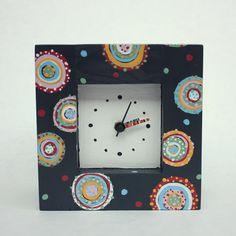 Koláčkové hodiny - tmavé Dřevěné malované hodiny. Rozměry: šířka 16cm, výška 16cm, hloubka 10cm. Smell Good, Vivid Colors, Clock, Frame, Handmade, Author, Home Decor, Watch, Picture Frame