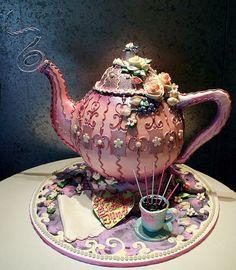 Teapot cake by Rosebud Cakes.