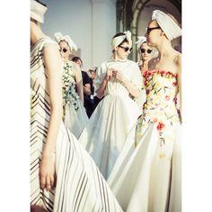 En backstage du défilé Giambattista Valli haute couture automne-hiver 2014-2015