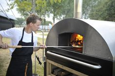 Pizzabakker bij Schoevers jubileumfeest