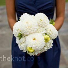 White bridesmaids bouqet