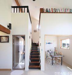 퇴사 후, 7천7백만원으로 직접 지은 경량목구조집 : 네이버 포스트 Home Doctor, House In The Woods, Hostel, Space, Architecture, Interior, Room, Furniture, Studios