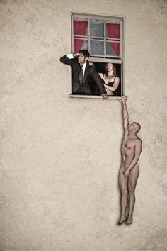 brilhantes recriações da vida real de Banksy pelo fotógrafo britânico Nick Stern. O seu olhar atento aos detalhe e admiração fotográfica pela arte urbana está de volta com onze novas adições à coleção crescente de imagens em sua série You Are Not Banksy  Leia mais em: Mais arte de Banksy no mundo real (11 fotos) - Metamorfose Digital http://www.mdig.com.br/index.php?itemid=25655#ixzz40GiIOTKB