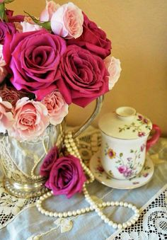 Rosemary and Thyme: A Charming Afternoon Tea Tea Roses, Pink Roses, Teacup Flowers, Romantic Shabby Chic, Shabby Cottage, Potpourri, Simply Beautiful, Afternoon Tea, Vintage Decor