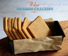 Easy Paleo Graham Crackers {gluten-free, grain-free, almond flour} - these held up really well for smores, and had a nice flavor. They would make a good pie crust base. Gluten-free, grain-free graham crackers made with almond meal Dessert Sans Gluten, Bon Dessert, Paleo Dessert, Gluten Free Desserts, Galletas Paleo, Galletas Cookies, Paleo Bread, Paleo Baking, Paleo Vegan