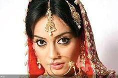 beauti in bride costume
