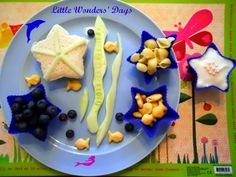 Muffin Tin Mondays - lots of fun, themed ideas to jazz up preschool aged lunches.