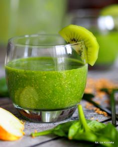 Tips to Get Started With Detoxification Kiwi Smoothie, Smoothie Drinks, Healthy Smoothies, Healthy Drinks, Fruits And Vegetables, Lime, Food And Drink, Cooking, Breakfast