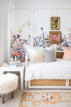 Great Photos secret garden bedroom Style In violent occasions, what is far more relaxing instead of define out and about a new remote spot in garden in. Cool Secret Rooms, Sophisticated Nursery, Tiny Living Rooms, Garden Bedroom, Floral Room, Little Girl Rooms, Bedroom Styles, Girls Bedroom, Bedroom Ideas