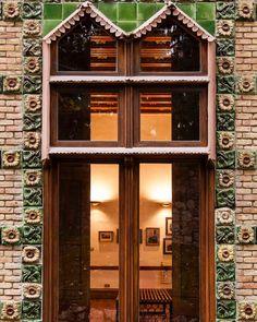 #cantabriainfinita #cantabria_y_turismo #españa #spain #antonigaudi #Gaudí #165aniversario #instart #picoftheday #photography #photographyoftheday #arte #art #arquitectura #architecture #naturaleza #nature #modernisme #modernismo #patrimonio #heritage Antoni Gaudi, House Styles, Instagram, Home Decor, Modernism, Quotation Marks, Tourism, Naturaleza, Architecture