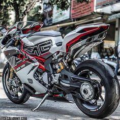Motorcycleist : Photo