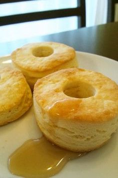 Biscuit scones from Kenta Sweets Recipes, Cake Recipes, Puff Pastry Recipes, Easy Appetizer Recipes, Cafe Food, I Love Food, Donuts, Bakery, Food And Drink