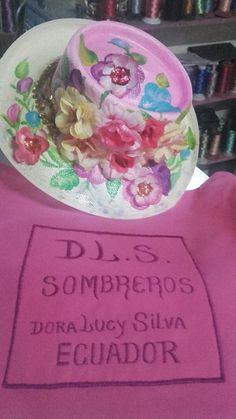 DL.S.SOMBREROS HERMOSOS... Birthday Cake, Desserts, Food, Carnival, Tailgate Desserts, Deserts, Birthday Cakes, Essen, Postres