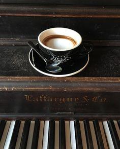 No wrong notes with a macchiato.  #coffee #coffeelover #coffeebreak #espresso #macchiato #eyestoeyes #cafemartin @cafemartinmtl  #coffeeaddict #coffeelove #coffeeshop #coffeegram #coffeeporn #coffeelife #coffeeart #coffeeoftheday #coffeedate #eyestoeyes #cappuccino #coffeeadventure by kimmysho