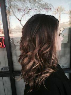 Tes cheveux balayage sur cheveux bruns belle idée