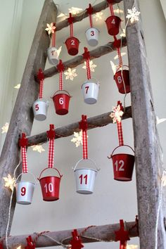 Christmas DIY: Illustration Description Advent Calendar on a Vintage Ladder For Christmas Christmas Countdown, Christmas Calendar, Noel Christmas, Diy Christmas Gifts, Christmas Projects, All Things Christmas, Christmas Decorations, Christmas Tables, Nordic Christmas
