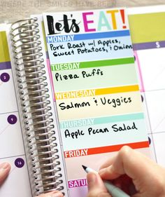 What a simple (and cute) way to stay organized and plan out your weekly menu! You could easily cut this freebie out with a Silhouette, Cricut, or just scissors! DIY Erin Condren Snap-In Meal Planner/To-Do List & FREE Printable! Weekly Meal Planner, Free Planner, Planner Pages, Printable Planner, Happy Planner, Planner Stickers, Free Printables, Planner Diy, Planner Ideas