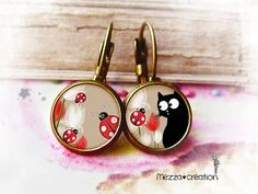 Boucles d'oreille ° Chat aux coccinelles ° rouge fleur verre rétro Resin Jewelry, Diy Jewelry, Handmade Jewelry, Unique Jewelry, Diy And Crafts, Give It To Me, Creations, Necklaces, Etsy