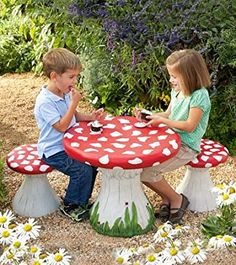 Amazon.com: Handpainted Mushroom Table and Set of 4 Stools Special: Kitchen & Dining