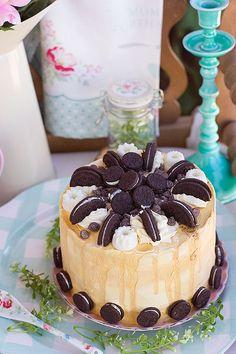 Oreo and Chocolate Cake with Oreo Cream Cheese Buttercream