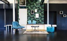Cool Office, Office Ideas, Office Decor, Business Innovation, Startups, Floor Chair, Berlin, Lamps, Light Blue