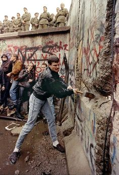 Down with the Berlin Wall!