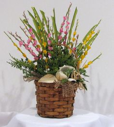 Floral Arrangement with Sea Shells by CorrsCraftyCorner on Etsy, $13.50
