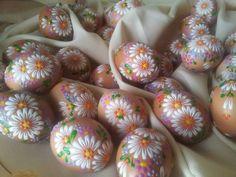 www.pysankastore.com www.bravopysanka.com: Easter Dyi, Cool Easter Eggs, Easter Crafts, Happy Easter, Rock Crafts, Diy And Crafts, Polish Easter, Egg Shell Art, Carved Eggs