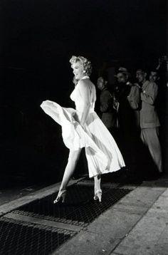 iconic scene... Marilyn Monroe