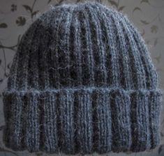 Joustinneulospipo taitettavalla reunuksella | Punomo Crochet Slippers, Knit Crochet, Crochet Hats, Small Knitting Projects, Knitting Patterns, Crochet Patterns, Pony Beads, Drops Design, Knit Beanie