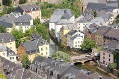 Luxemburgo é uma das cidades mais ricas da Europa e tornou-se um importante centro financeiro e administrativo.