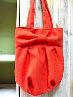 Geanta de ani Breslo Purses And Bags, Tote Bag, Fashion, Moda, Fashion Styles, Totes, Fashion Illustrations, Tote Bags
