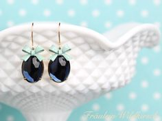 Blaubeer-Minze Vintage Schleifchen Ohrhänger blau von Fräulein Wildkirsch  auf DaWanda.com