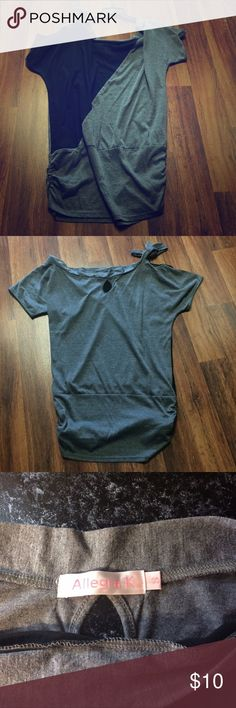 """Black and gray tunic Can be worn off the shoulder. Bottom has ruching. It is almost 29"""" from top to bottom. Looks great with leggings. I wore it once. Allegra K Tops Tees - Short Sleeve"""