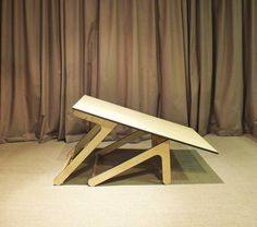 Transformer coffee table turns into dining room table : TreeHugger