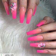 On average, the finger nails grow from 3 to millimeters per month. If it is difficult to change their growth rate, however, it is possible to cheat on their appearance and length through false nails. Bling Nails, Swag Nails, My Nails, Cute Nails, Pretty Nails, Pink Acrylic Nails, Coffin Nails Long, Manicure E Pedicure, Stylish Nails