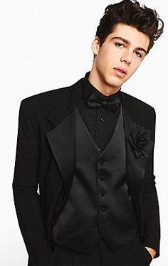 You'll look dashing in all black and a Jones New York Three-Button Notch Lapel #Tuxedo on #prom night.
