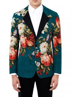 This time of year more than any, there are a LOT of blazers and suit jackets on the market. We took a look at what was on offer at Mr Porter, Matches Fashion, ASOS and Topman this season. Floral Suit Men, Mens Floral Blazer, Fashion Designer, Matches Fashion, Blazers For Men, Wedding Suits, Mens Suits, Ideias Fashion, Men Dress