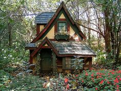 How to Build a Tiny House I adore this little cottage in the woods! This would be my little dream house!I adore this little cottage in the woods! This would be my little dream house! Style Cottage, Cute Cottage, Cottage In The Woods, Cabins In The Woods, Tudor Cottage, Cottage Design, Witch Cottage, Witch House, Tudor House