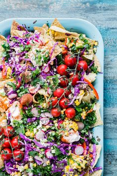 Farm fresh seasonal fruits and veggie meals that will make you look good this summer. Farmers Market Recipes, Whole Foods Market, Fresh Food Market, Vegetable Recipes, Veggie Meals, Fun Cooking, Cooking Recipes, Whole Food Recipes, Healthy Recipes