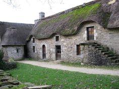 Longère morbihannaise typique à Poul-Fetan, Brittany