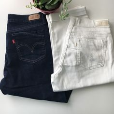 """2 Levi's 515 Capri stretch jeans! Barely worn and in excellent condition. Cute cuffed denim capris with a hint of stretch for comfort. 17"""" inseam. If your a lover of Levi's with a hint of stretch, these are for u. S Levi's Jeans"""