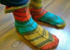 Arkimamman Arkiralli: Tässä nämä lapa... siis sukat nyt on :)