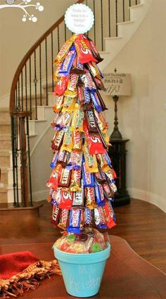 DIY~ Candy Topiary- Make this for any holiday or celebration - Or add it to your candy bar Easy Diy Christmas Gifts, Christmas Gift For You, Noel Christmas, Holiday Crafts, Holiday Fun, Christmas Decorations, Christmas Hacks, Homemade Christmas, Office Christmas Gifts