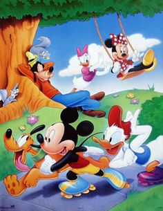 Mickey mouse and friends rollerblading print Mickey Mouse Cartoon, Mickey Mouse And Friends, Mickey Minnie Mouse, Disney Fun, Baby Disney, Disney Magic, Image Mickey, Mickey Love, Mouse Pictures