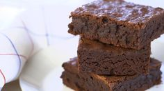 Best quality chocolate makes for best tasting brownies! Watch as Sarah Carey creates the ultimate chocolate brownie recipe with the perfect shiny and crackly...