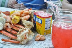 A yummy crab party lining a big table with newspaper, cook a lot of snow crab, shrimp, melt some butter, add some seasoning. Fish Fry Party, Fish Boil, Seafood Boil Party, Crab Broil, Snow Crab Legs, Boiled Dinner, Summer Recipes, Seafood Recipes, Favorite Recipes