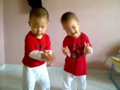 Kaitlin---which one is me and which one is you? hahahah TWINS ASIAN BOYS DANCING TO GANGNAM STYLE