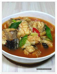 아구탕 쉽게끓이기~부드럽고 야들야들 시원한 아구탕 끓이는법 – 레시피 | 다음 요리 Asian Recipes, Healthy Recipes, Ethnic Recipes, Healthy Food, Seafood Recipes, Cooking Recipes, Korean Food, Kimchi, Soups And Stews