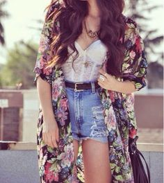 How to Chic: FLORAL KIMONO